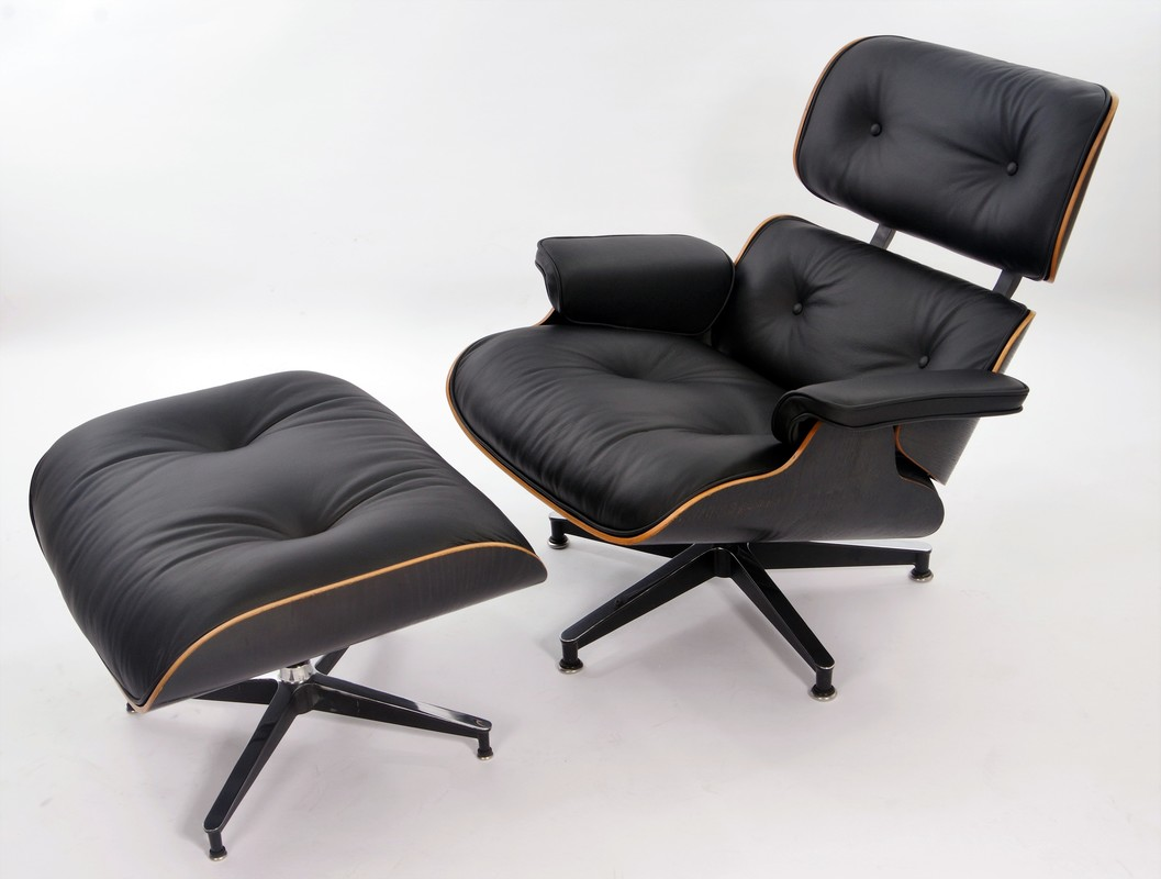 Eames Lounge chair herbekleding en restauratie door Stoffering Sioen